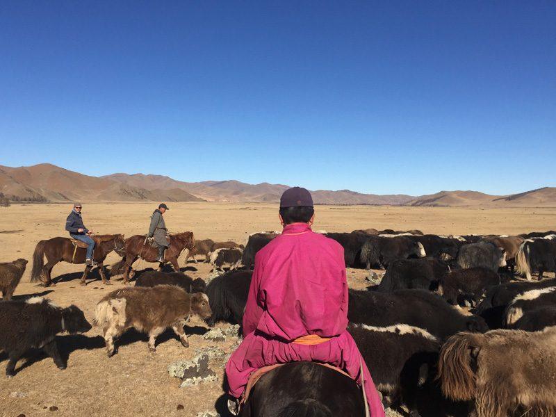 Chez les nomades dans la vallée d'Orkhon